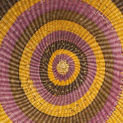 Aboriginal weaving at the Injalak Art and Craft Centre (Gunbalanya)